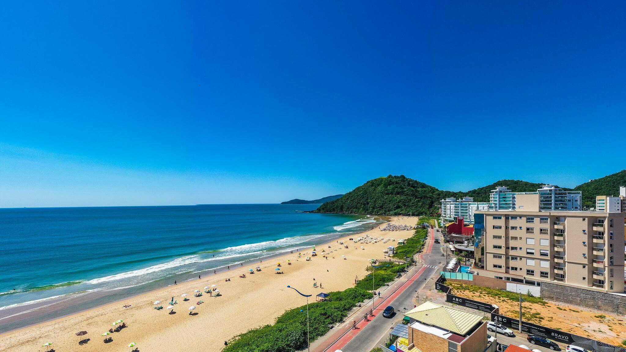 You are currently viewing 4 motivos para morar na Praia Brava, em Itajaí