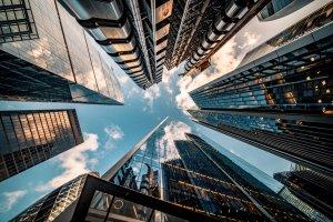 Por que investir em imóveis?